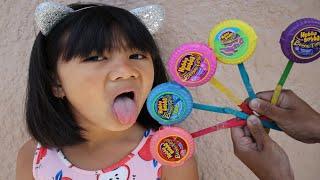 Hubba Bubba Learn Colors with Sophia