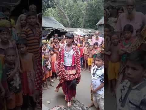 এক ভাই একদিল জারি গান শোনে এবং দেখে তাকে ৩ হাজার  টাকা পুরস্কার করেছেন গায়োকের @নামঃ মাজেদ বয়াতী
