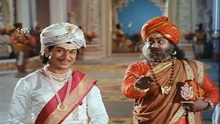 Dr Rajkumar Superhit Scenes | Rajkumar Solved Thoogudeep Srinivas Question | Kannada Best Videos