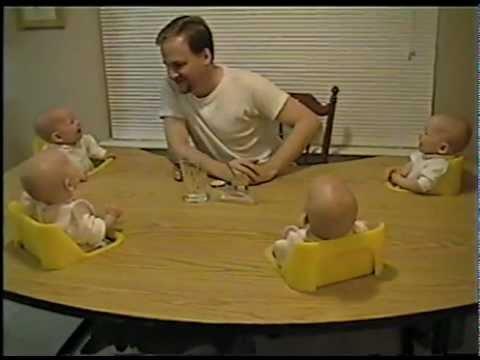 אבא מצחיק את ארבעת ילדיו - ענק!