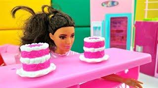 Новые серии Барби. Тереза поправилась... Играем в куклы