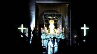 preview picture of video 'Semana Santa 2010 Calzada de Calatrava, salida de Ntra. Sra. de la Soledad, by Monxito'