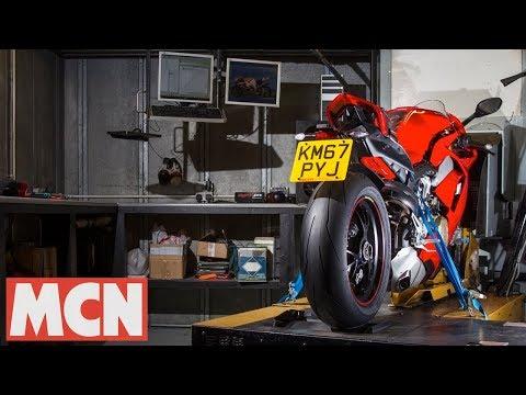 2018 Ducati V4 Panigale S in Thousand Oaks, California