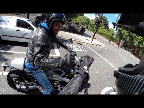 Chance encounter with a BMW R NineT