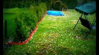 preview picture of video 'Gradobicie Mikołów 03.07.2012 - ogródki działkowe za Auchan'