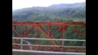 preview picture of video '[Wonderful Indonesian Railways] Melintasi Jembatan Cisomang'