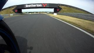 preview picture of video 'A Few laps around Snetterton on a trackday.'