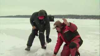 preview picture of video 'Ice fishing Pike, Little Lake, Barrie'