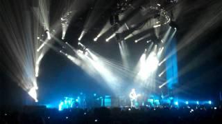 "John Mayer cries while playing ""Gravity"" in Nashville 2/10/10"