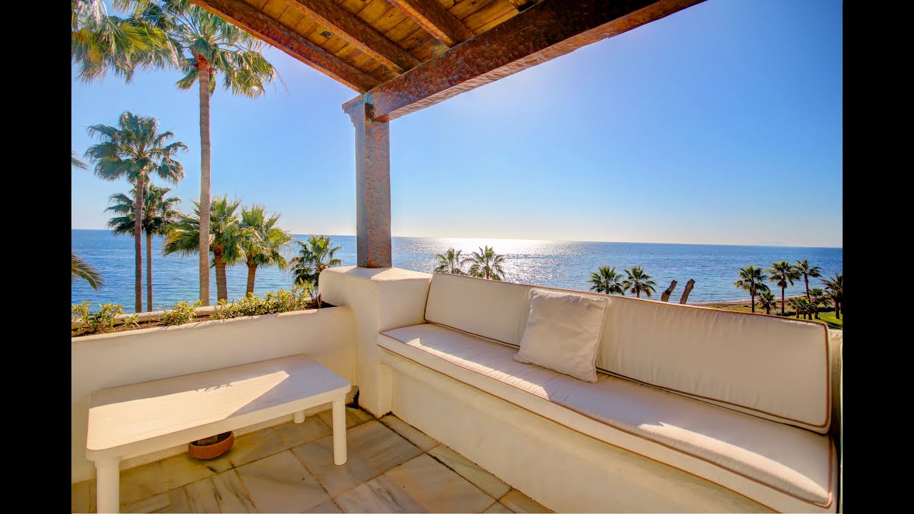 Front Line Beach Penthouse apartment with glorious views for long term rent