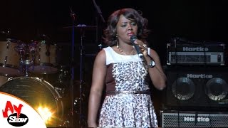 AY LIVE IN LONDON   HELEN PAUL
