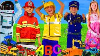 Kinder lernen Berufe und das ABC mit Feuerwehrauto, Bagger & Spielzeugautos | Alphabet Kinderlieder