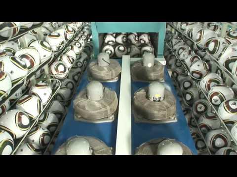 מפעל לייצור כדורי רגל