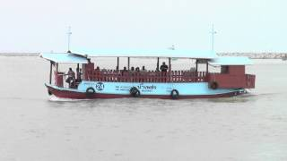 preview picture of video 'Tour boat at Songkhla, Thailand'