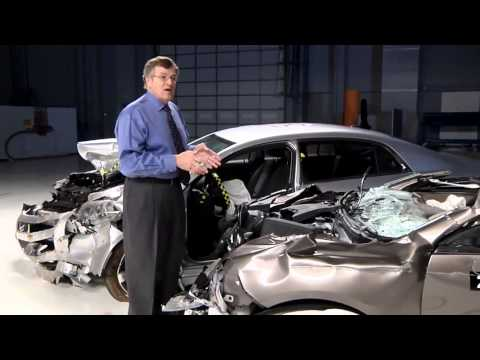 IIHS - Underride guards on big rigs often fail in crashes (2011 test)
