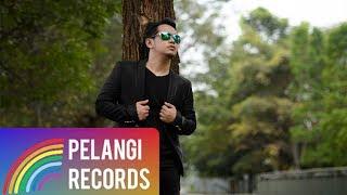 Pop - Teguh Permana - Entah Siapa (Official Music Video)