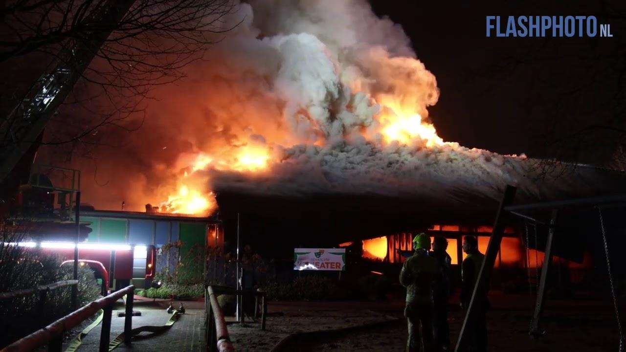 Grote uitslaande brand in Plaswijckpark Rotterdam