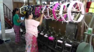 preview picture of video 'Fábrica de Seda en Surat Thani 1 - www.tailandia.cl'