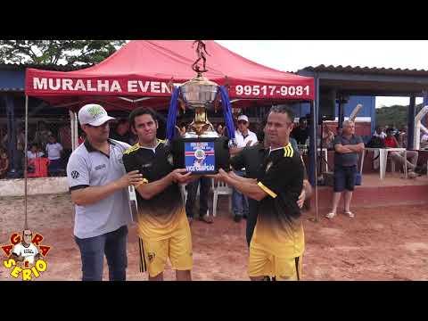 Segunda Feira Futebol Clube recebe a taça de Octavice passa vergonha e ganha musica da torcida do Unidos da Favela do Justinos