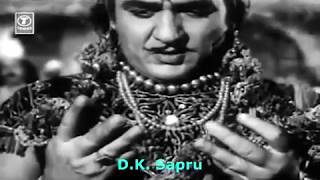 bhagat bhar de re jholi,tere dwar khada bagwan   - YouTube