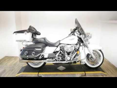 2002 Harley-Davidson FLHRCI Road King® Classic in Wauconda, Illinois