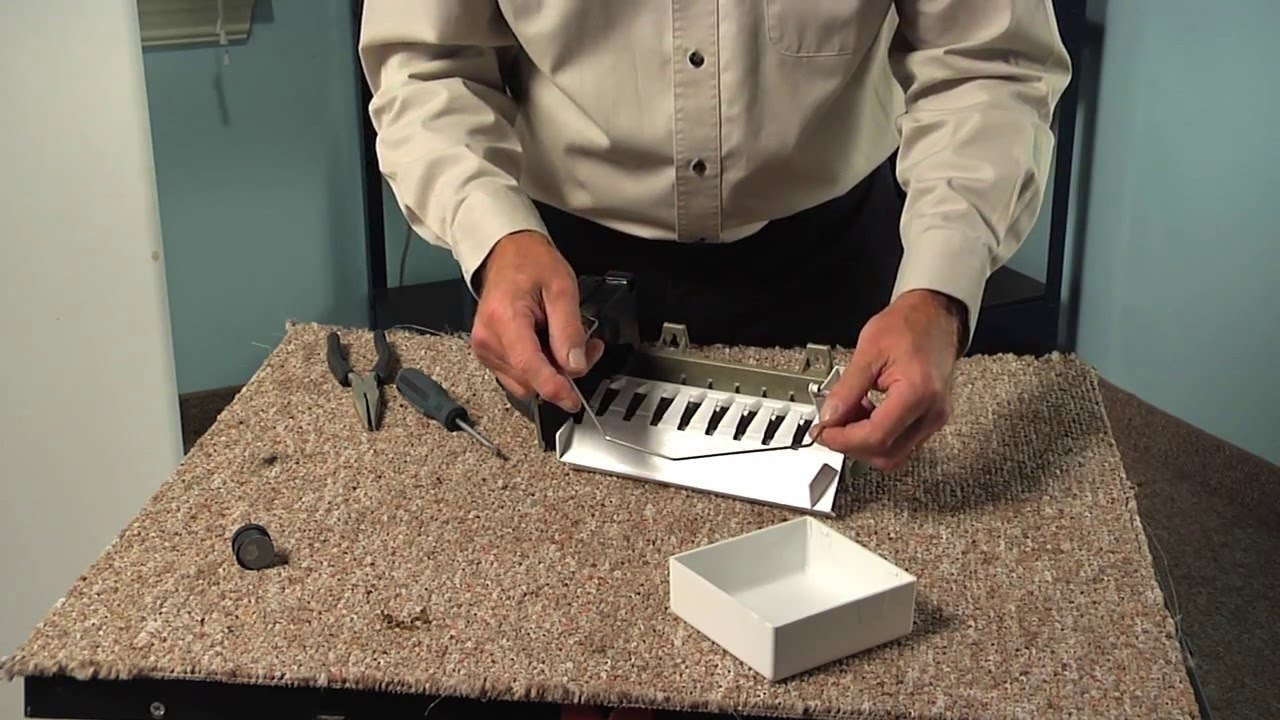 Replacing your Kenmore Refrigerator Cycling thermostat