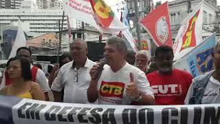Pascoal Carneiro na defesa dos direitos sociais, trabalhistas, da soberania nacional e do meio ambiente.