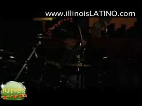 Discoteca Dragon Fly en Chicago con Grupo Musical Castellano