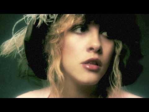 ROCKIN' WOMAN (The Stevie Nicks' Song)
