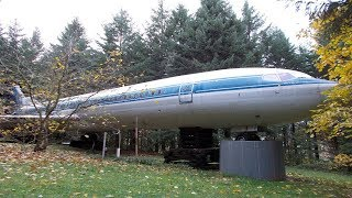 Man Turns Old Airplane Into His Dream Home And The Shower Is Amazing