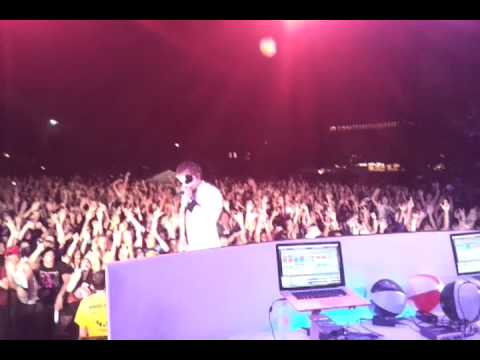 White Panda @ Cornell - 10,000 fans going HAM