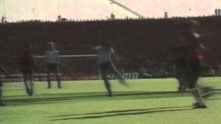 preview picture of video 'MNT vs. Trinidad & Tobago: Paul Caligiuri Goal – Nov. 19, 1989'