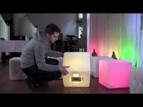 Lounge die 2. / Moree LED Cube und Sitzhocker.