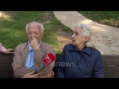 Ora News - Martesat e hershme, çifti 60 vjet i martuar rrëfen historinë: Ia kemi dalë mbanë