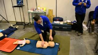 Смотреть онлайн Оказание первой помощи детям