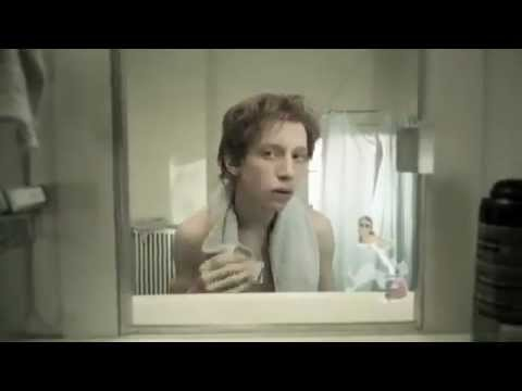 Độc đáo câu chuyện cuộc đời phản chiếu qua gương