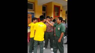 preview picture of video 'Buddyz handshake by students from SMK Jelapang Jaya (1)'