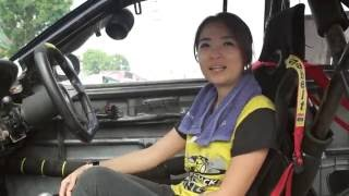 How girl racer use Eagle i™ CVR EG-6018 car cam