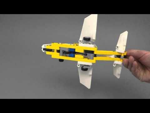 Vidéo LEGO Technic 42044 : L'avion de chasse acrobatique