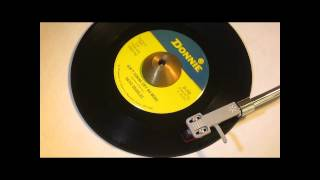 DAVE CHARLES - AIN'T GONNA CRY NO MORE ( DONNIE 702 ) www.raresoulman.co.uk  John Manship