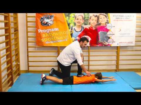 Pompa mięśni piersiowych w domu przez wścibskich
