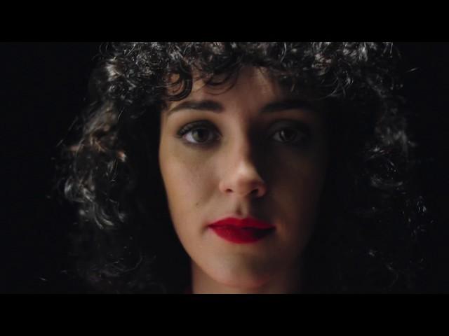Núria Graham - Sit Back