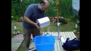 preview picture of video 'Estrena del Pluviòmetre Hellman - Estació Méteo Ribes de Freser -  MeteoRibes - 23/7/2010'