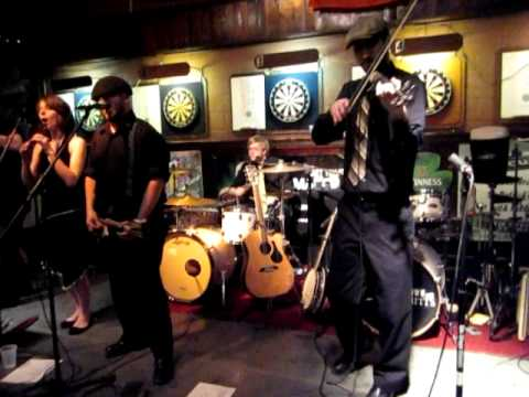 The Waxies @ Quinn and Tuites Paddy's Day 2011