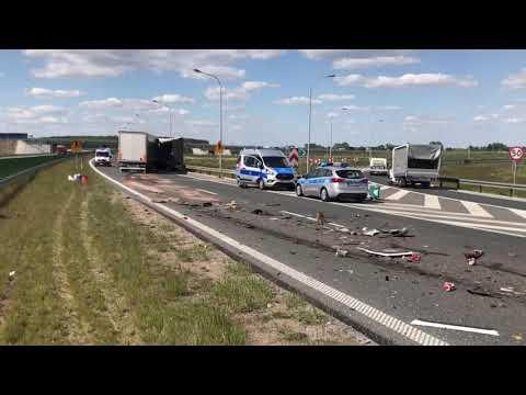 Wideo1: Zderzenie ciężarówek na S5 w Lesznie