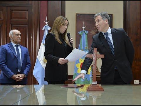 Vidal tomó juramento al nuevo ministro de Economía bonaerense, Damián Bonari