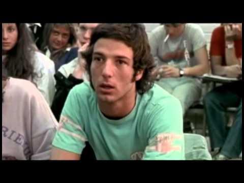 <p>Fragmento de la película documental Quién soy yo? de la cineasta Estela Bravo, donde Estela de Carlotto charla con alumnos del CBC de la UBA en el año 1986.<br></p>