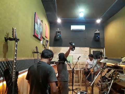 Master Band - Hari - Hariku Cover By Poster Band Mp3