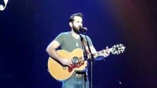 """Josh Kelley singing """"Georgia Clay"""" in Morgantown, WV"""