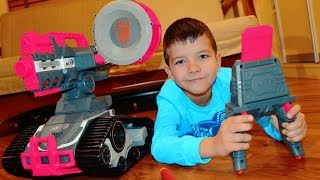 NERF Drone и битва в детской Мама против Дениса 0+